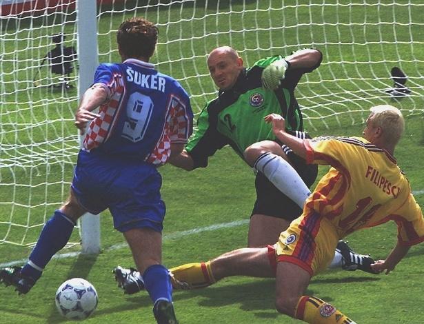 A Croácia se classificou às oitavas em sua primeira participação, em 1998, e já teve jogo alternativo no caminho: contra a Romênia e seus jogadores com cabelo descolorido. Suker fez o gol do triunfo croata
