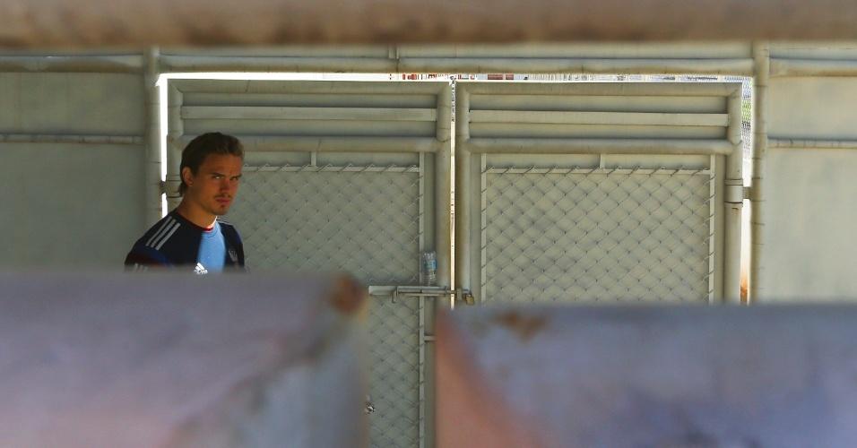Andrey Eshchenko chega a treino da seleção da Rússia em Itu