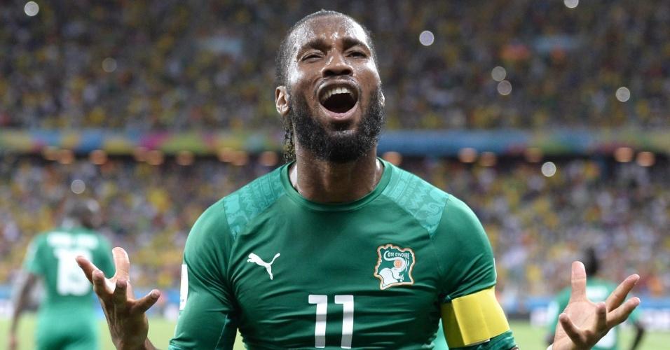 Didier Droga vibra após a Costa do Marfim marcar o gol de empate contra a Grécia