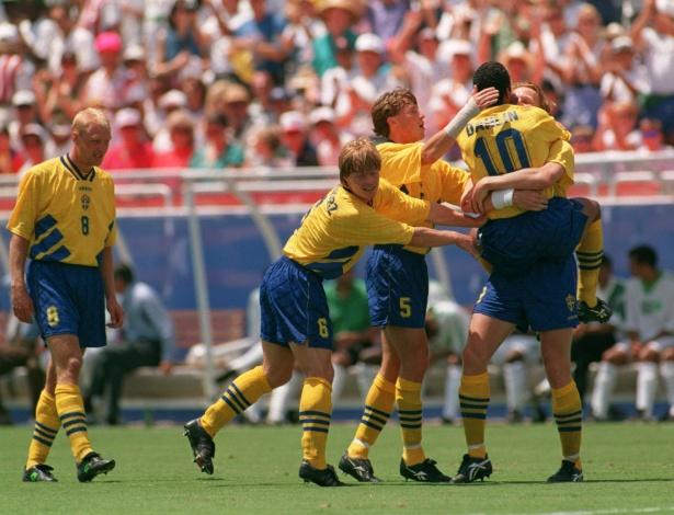Em 1994, a Arábia Saudita conseguiu se classificar para as oitavas, mas caiu para a carismática seleção sueca de Larsson (com cabelo rastafári), Dahlin e Brolin