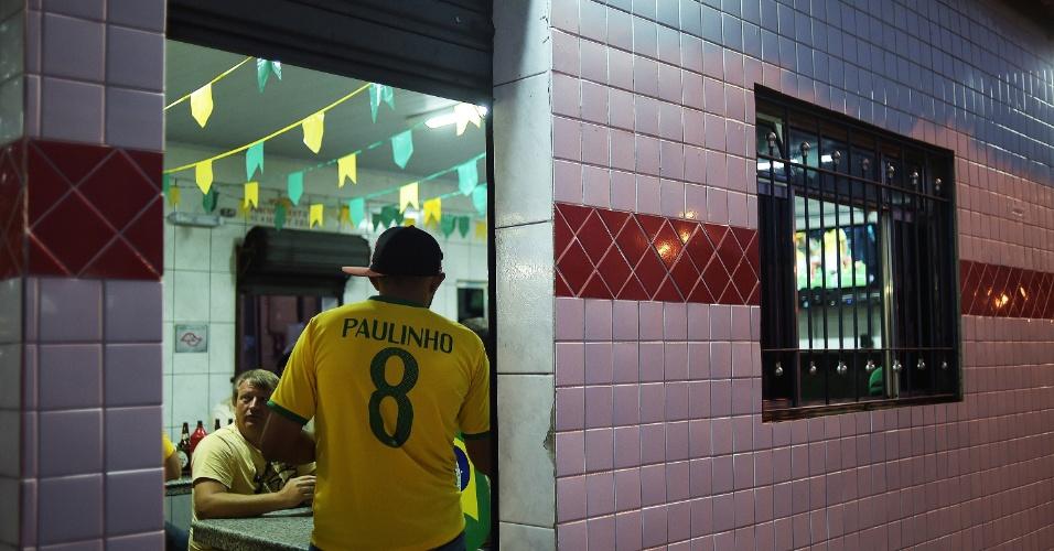 Em todo o Ceagesp, torcedores se reuniram em frente a qualquer televisor instalado para poder ver a vitória do Brasil sobre Camarões
