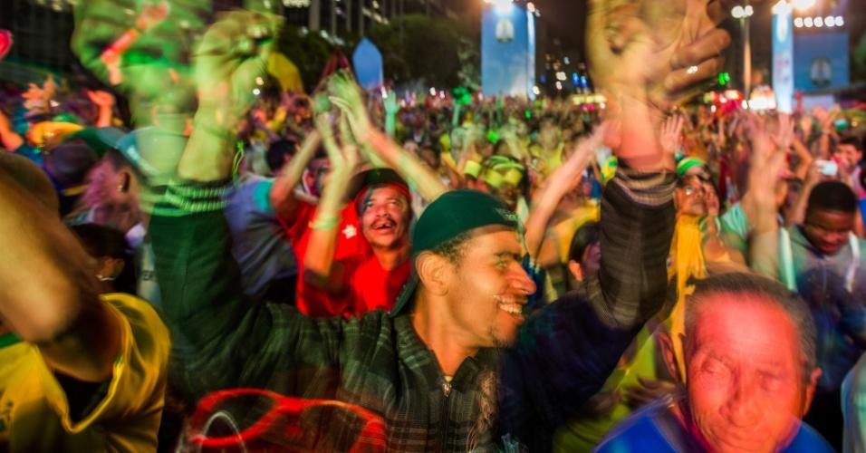 Fan Fest de São Paulo no jogo entre Brasil e Camarões