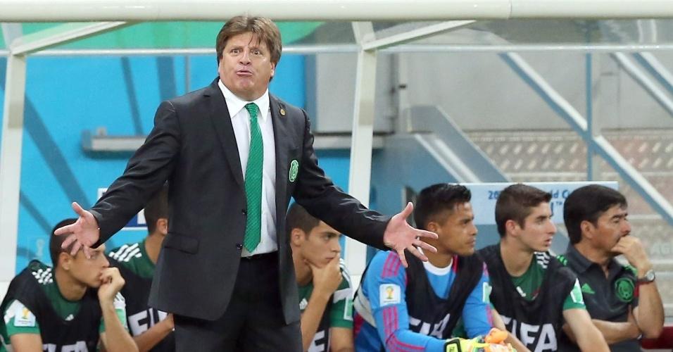 Gosta de uma careta, o técnico mexicano. Com a vitória de sexta sobre a Croácia, seu time tem a dura missão de fazer frente à poderosa Holanda