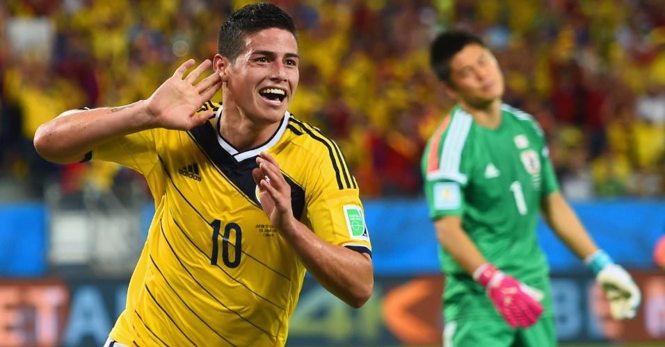 24.jun.2014 - James Rodriguez, da Colômbia, comemora após marcar o quarto gol na vitória sobre o Japão na Arena Pantanal