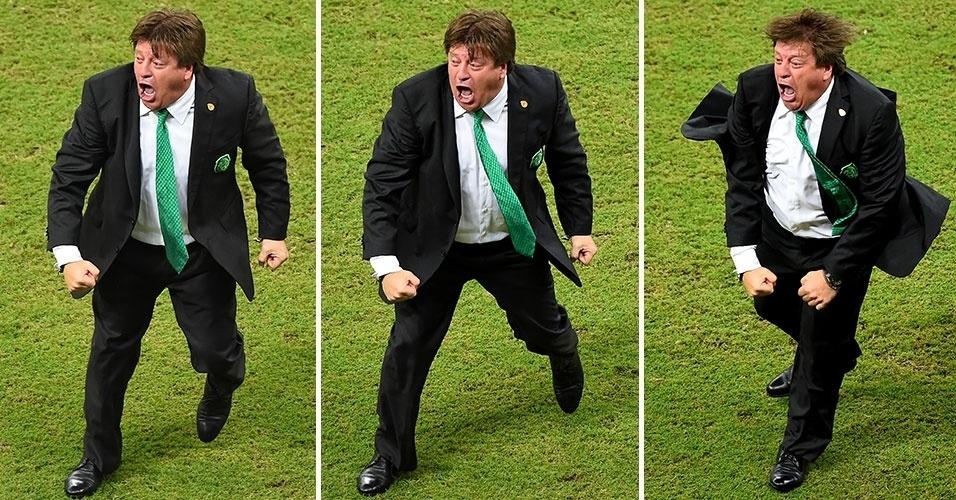 Miguel Herrera comemora gol do México contra a Croácia. Sua empolgação à beira de campo virou até meme.