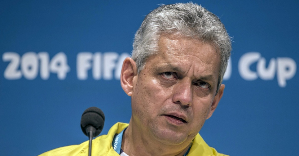 Reinaldo Rueda, técnico do Equador, concede entrevista coletiva no Maracanã, palco do jogo contra a França nesta quarta-feira