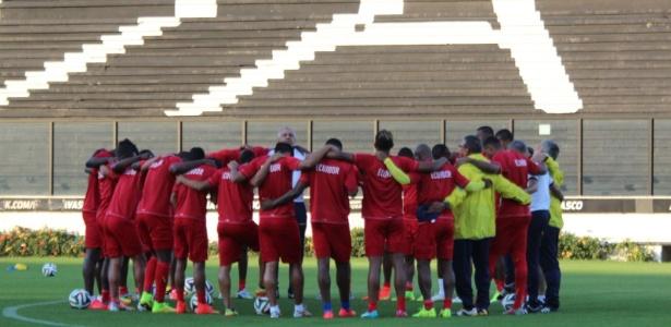 Seleção do Equador treina em São Januário antes do confronto com a França