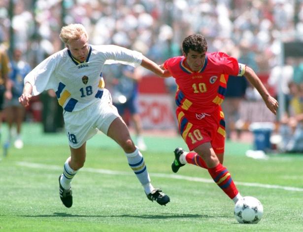 Suécia e Romênia fizeram um dos grandes jogos da Copa de 1994, mesmo sendo seleções desconhecidas pelo grande público; a Suécia avançou só nos pênaltis