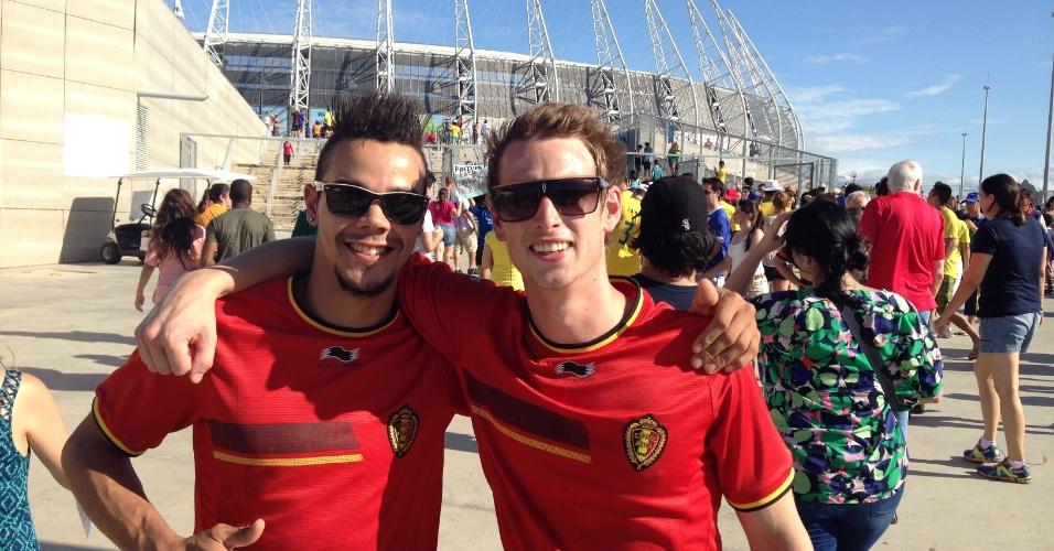 Torcedores com a camisa da Bélgica também marcam presença para ver Grécia e Costa do Marfim