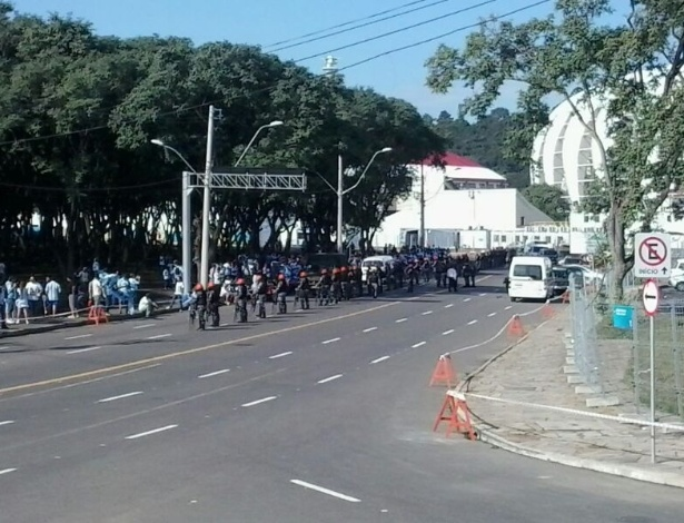 Operação da brigada militar de Porto Alegre mantém a torcida argentina longe do estádio Beira-Rio