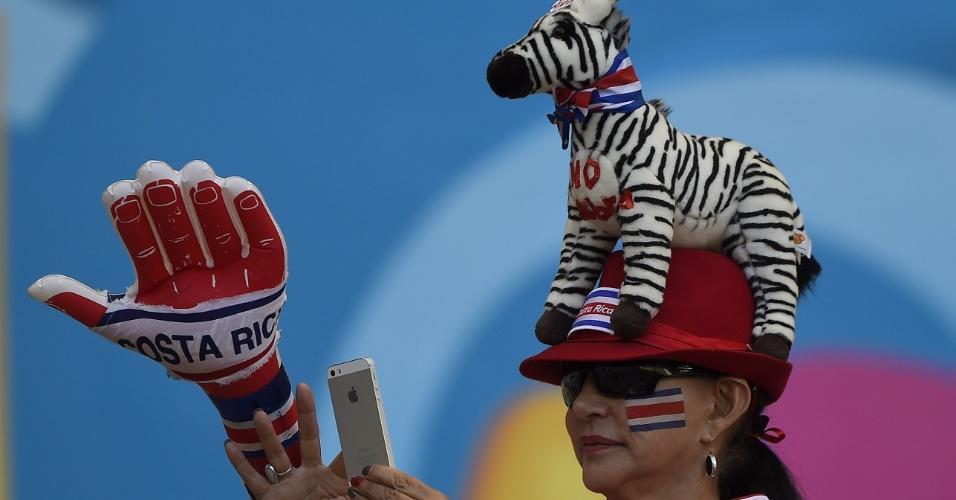 24.jun.2014 - Esta torcedora mostrou que a Costa Rica é mesmo a grande zebra desta Copa do Mundo