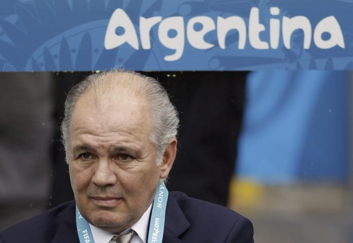 Alejandro Sabella, treinador da Argentina, reage após gol de empate da Nigéria, no Estádio do Beira-Rio