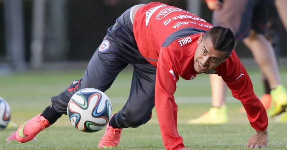 Arturo Vidal, preservado contra a Holanda, também treinou como titular nesta quarta-feira. Chile encara o Brasil no próximo sábado, no primeiro jogo das oitavas de final