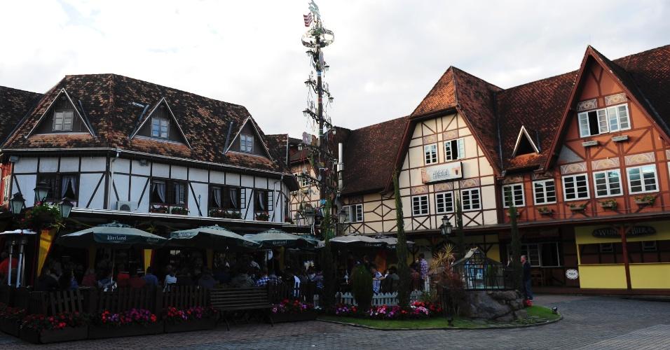 Visão da entrada da Vila Germânica, o espaço que recebe os principais acontecimentos da Oktoberfest de Blumenau