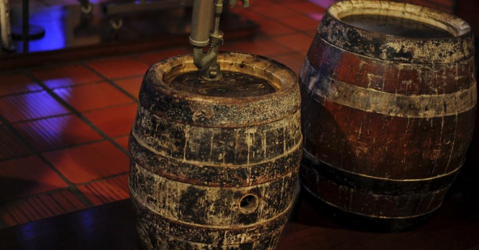 Barris antigos em exposição no Museu da Cerveja, atração gratuita no centro de Blumenau