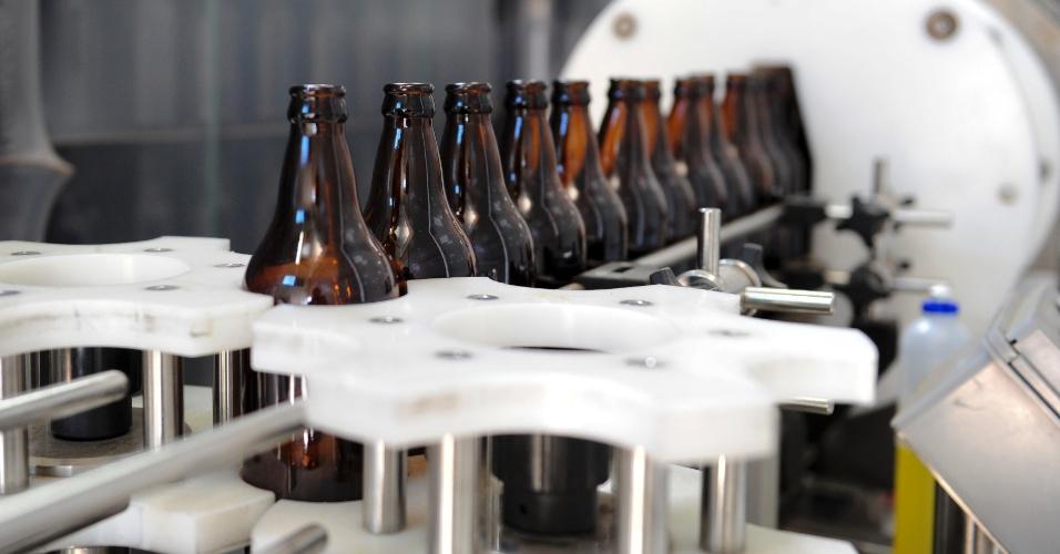 Detalhe da linha de produção da Bieland, uma das cervejarias artesanais mais populares de Santa Catarina