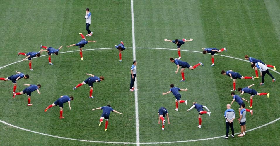 Coreia do Sul realiza treino no Itaquerão, onde se prepara para enfrentar a Bélgica nesta quinta-feira