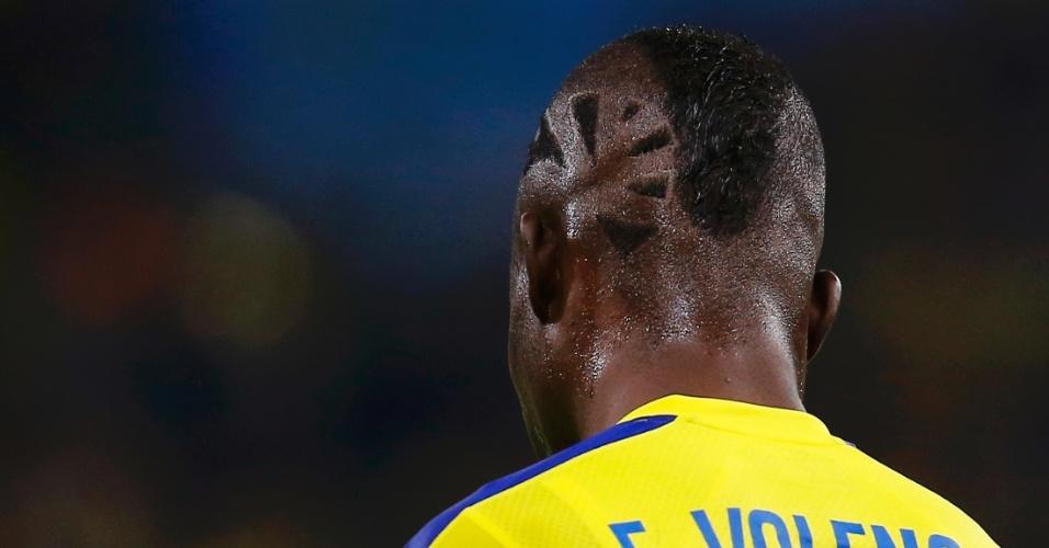 25.jun.2014 - Equatoriano Enner Valencia exibe seu estiloso corte de cabelo na partida contra a França, no Maracanã