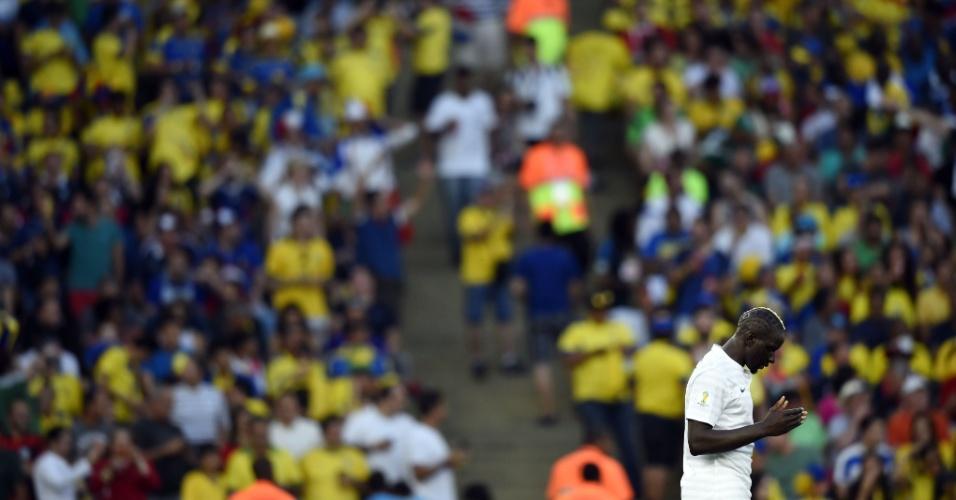 25.jun.2014 - Francês Sakho gesticula durante a partida contra a seleção do Equador, no Maracanã