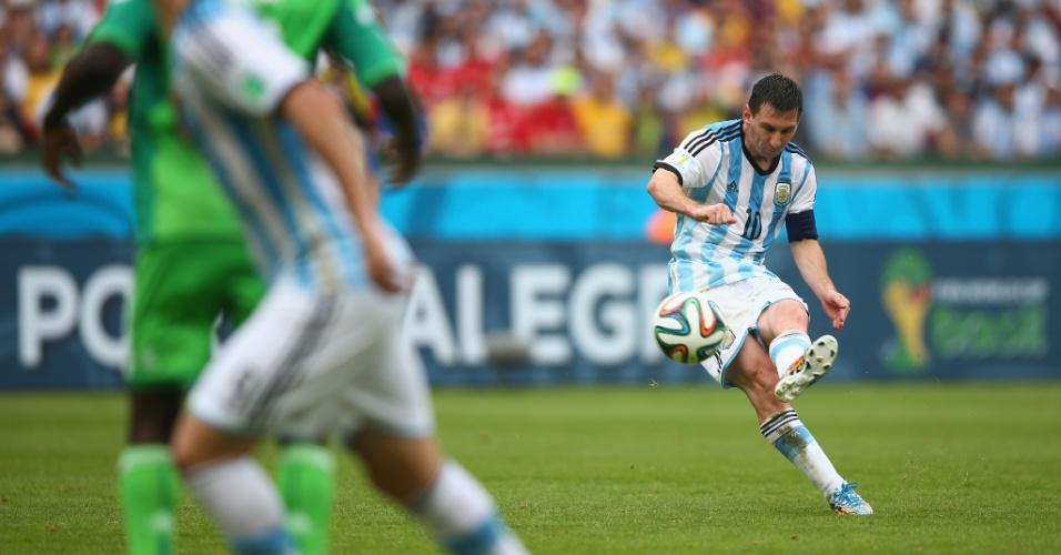 Messi cobra falta para marcar mais um gol na Copa do Mundo