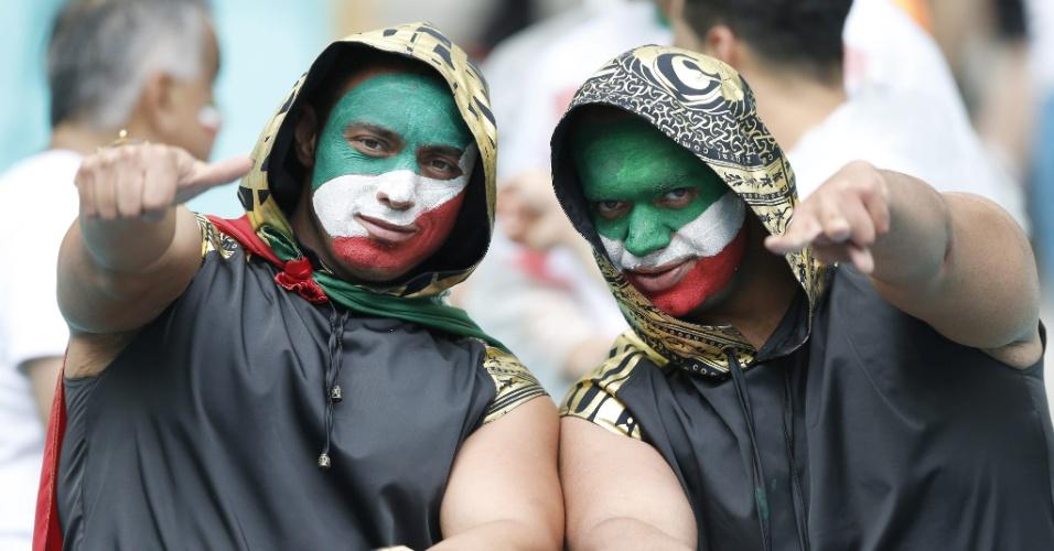 Muitos torcedores com as cores do Irã marcam presença na Fonte Nova para o duelo com a eliminada Bósnia