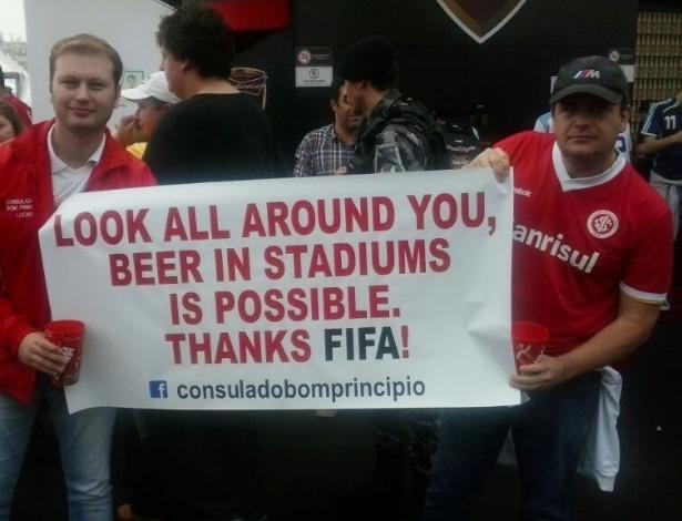 """""""Olhe em volta, cerveja nos estádios é possível"""": torcedores pedem volta da bebida aos estádios"""