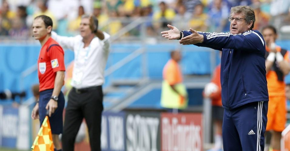 Técnico bósnio Safet Susic reclama durante a partida contra o Irã, em Salvador