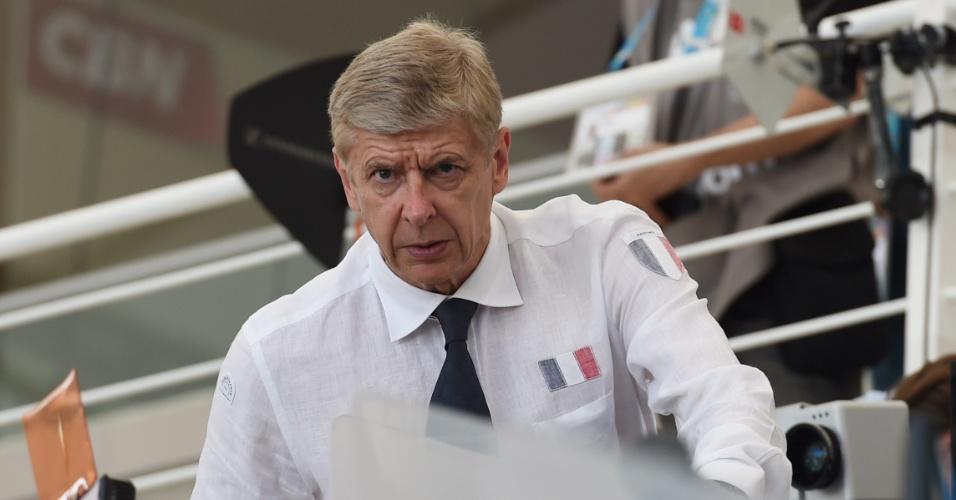 25.jun.2014 - Técnico do Arsenal, Arsène Wenger, vai ao Maracanã trabalhar como comentarista no jogo entre Equador e França