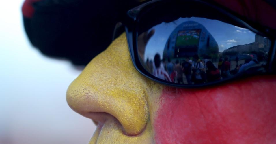 Torcedor belga em Copacabana sofre durante jogo tenso contra a Rússia. A Bélgica fez gol no fim e venceu