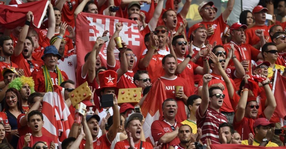 Torcedores da Suiça fazem com gol da equipe contra Honduras