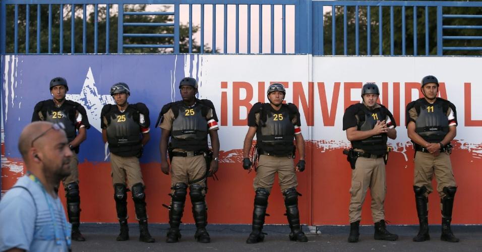 Treino do Chile na Toca da Raposa II teve portões fechados e segurança reforçada