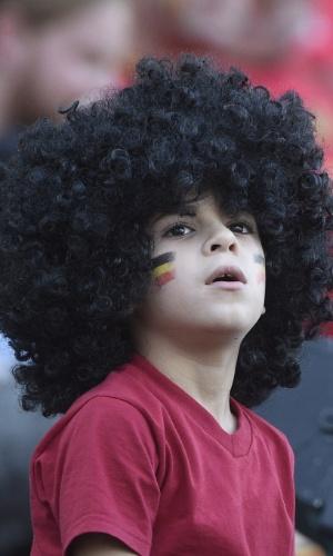 A vasta cabeleira transforma Fellaini no jogador mais carismático da Bélgica. O garotinho que foi ao Itaquerão com a peruca do ídolo concorda