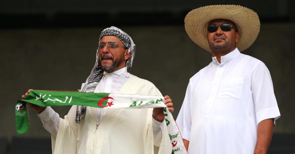 Argelinos acreditam na classificação da seleção, que enfrenta a Rússia na Arena da Baixada