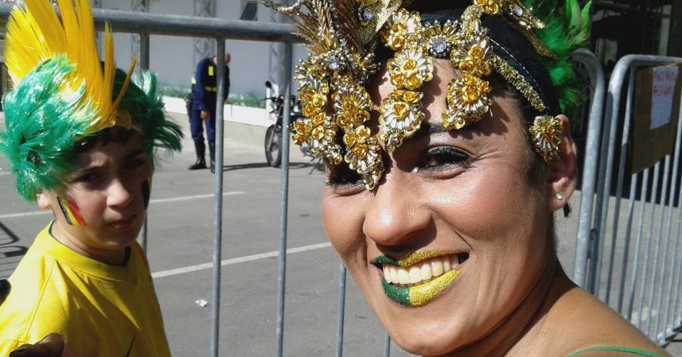 Brasileira não economizou nos apetrechos para ir ao Itaquerão ver a partida entre Coreia do Sul e Bélgica
