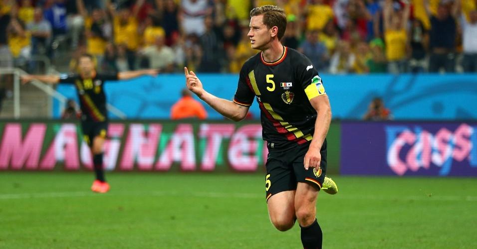 Jan Vertonghen comemora após abrir o placar para a Bélgica contra a Coreia do Sul