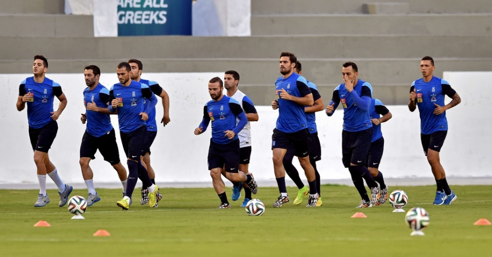 Jogadores da Grécia treinam em Aracaju para o jogo decisivo de domingo, contra a Costa Rica, pelas oitavas de final