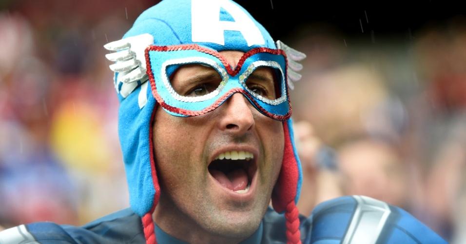 O Capitão América mostrou ser pé-quente na Arena Pernambuco. Mesmo com a derrota, os Estados Unidos avançaram às oitavas de final