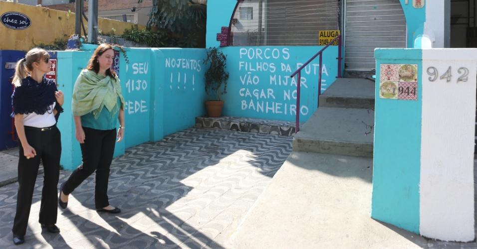 Moradores se revoltam e deixam recado contra sujeira na Vila Madalena