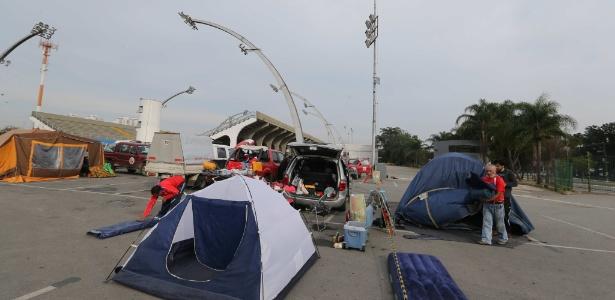 Torcedores chilenos também já acamparam no sambódromo, no Anhembi, antes do jogo contra a Holanda