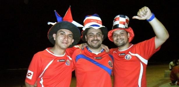 Constarriquenhos invadem à orla de Boa Viagem para a seleção que chegou na noite desta sexta ao Recife