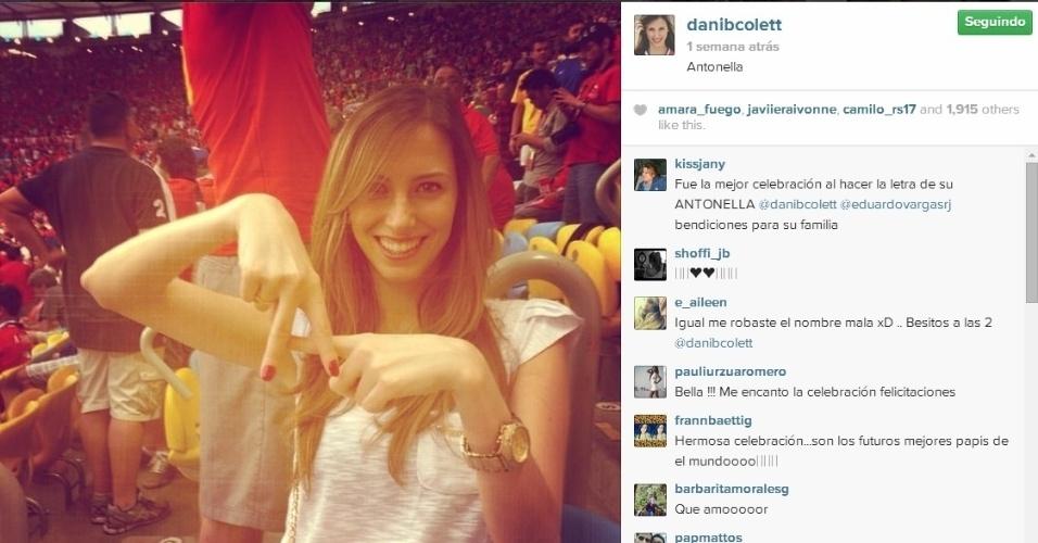 Daniela Colett faz homenagem para Antonella no estádio