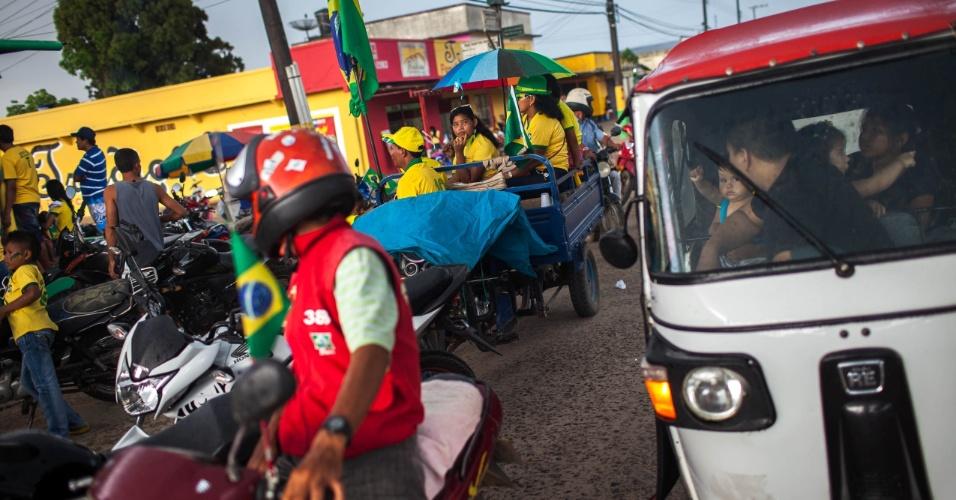 Letícia, cidade que faz fronteira com Brasil pela avenida da Amizade, que liga a cidade de Tabatinga no Amazonas, festeja a cada triunfo de 'La Tricolor', apelido da seleção colombiana, com um comboio motorizado que toma a avenida e ultrapassa os comandos de fronteira