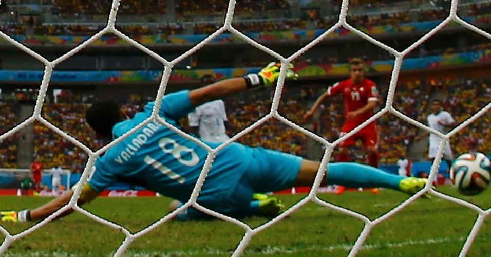 Shaqiri marca seu terceiro gol contra Honduras