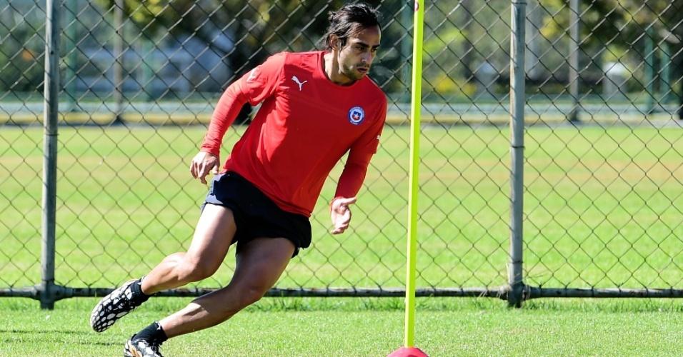 Valvidia faz treinamento físico na Toca da Raposa, em Belo Horizonte; Chile é o adversário do Brasil nas oitavas de final da Copa do Mundo
