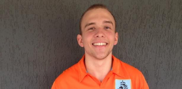 Vitor, 18 anos, diz que tirou fotos e se passou por Sneijder por alguns minutos