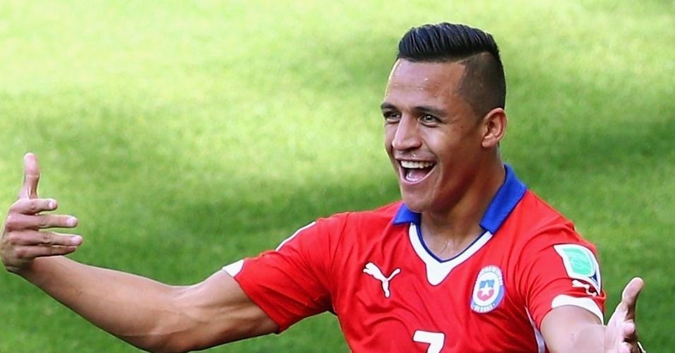 25.jun.2014 - Aléxis Sánchez comemora o gol de empate do Chile contra o Brasil