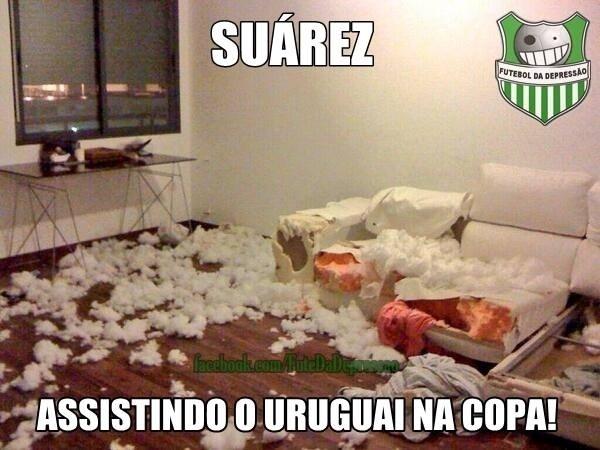 A sala de Luis Suárez ficou assim enquanto ele assistia a jogo do Uruguai