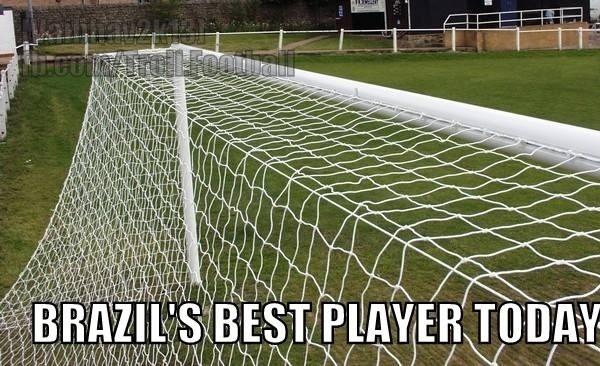 A trave, o melhor jogador do Brasil na vitória sobre o Chile nos pênaltis