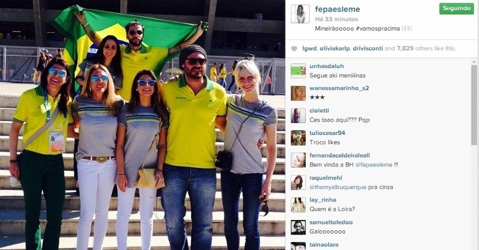 Artistas se reúnem antes de jogo do Brasil contra o Chile