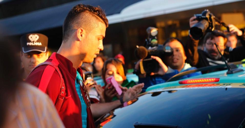 Cristiano Ronaldo chega em Lisboa após volta da seleção de Portugal depois da Copa